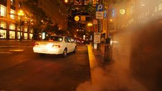 サンフランシスコでは夜になるとマンホールから湯気が立ち上っているんだけどもお湯沸かしているんだろうか。