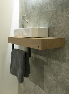 Leuke handdoekhouder voor in de badkamer of toilet Nice towel holder for the bathroom or toilet - Lo
