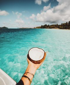 Coconut breeze! #seasons #summer #verão #beach #sunset #summerlovin #summerfun