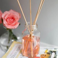 3 DIY Air Fresheners Made with Recycled Materials + Earth Day Giveaway (Hello Glow) Essential Oil Diffuser Blends, Essential Oils, Tienda Natural, Limpieza Natural, Natural Air Freshener, Homemade Air Freshener, Do It Yourself Home, Natural Cleaning Products, Recycled Materials