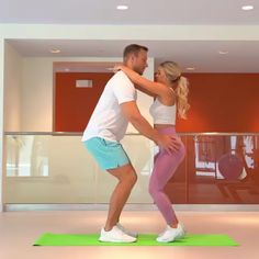 PARTNER WORKOUT 👫💪🏼 Partner workout💓💓<br> If having a healthy skin without harming your skin with low-quality products is your goal, then these best whitening creams for face and body. Fitness Workouts, Gym Workout Videos, Workout Memes, Sport Fitness, Fitness Goals, Fitness Tips, Fitness Motivation, Male Fitness, Couple Workout Together