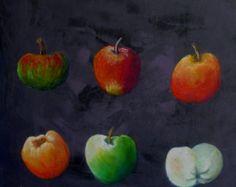 Cette peinture représente une collection de pommes de toutes les couleurs La peinture est réalisée à la gouache tempera sur un fond gris ardoise très texturé . A la fin, les fruits sont retravaillés au pastel et le tout est ciré , ce qui en fait une peinture très solide qui peut se mettre dans une cuisine Elle mesure 40 x40 cm ,est prête à être accrochée et est estampillée Ateliers d'arts de France