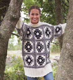 Inka genser strikkes i økologisk ull. Christmas Sweaters, Barn, Blanket, Knitting, Crochet, Fashion, Pictures, Moda, Converted Barn