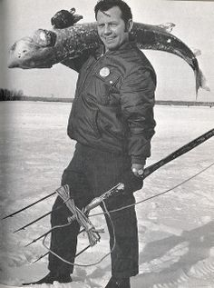 Vintage Michigan Fishing Photo, Ice Fishing for Sturgeon Nice! Pike Fishing, Spear Fishing, Surf Fishing, Walleye Fishing, Fishing Tackle, Fishing Lures, Drop Shot Rig, Fishing Photos, Fishing Photography