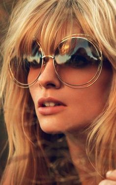 Discover these amazing sunglasses inspirations for your vintage style | www.vintageindustrialstyle.com #vintagestyle #industrialdesign #vintagefashion