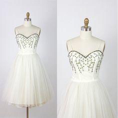 1950s Full Skirt Wedding Dress White Tulle Vintage by salvagelife, $395.00