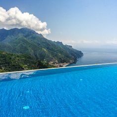 The stunning infinity edge at Hotel Caruso Ravello #AmalfiCoast #Italy. Checkout other awesome pools across the globe! Photo courtesy of brianthio on Instagram.