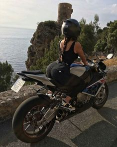 Bmw on what a view in frame cel_s a via motorrad mdchen mdchen motorrad mdchen motorrad motorradmdchen Dirt Bike Girl, Bmw S1000rr, Lady Biker, Biker Girl, Motard Sexy, Motorbike Girl, Motorcycle Outfit, Biker Chick Outfit, Triumph Motorcycles