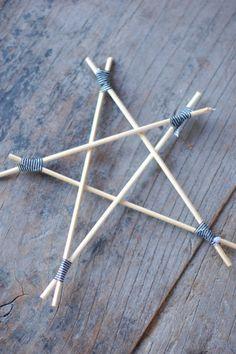 étoiles de noël avec des brochettes