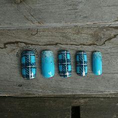 Blue Plaid Nail Art.