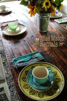 farm tables, vintage dinnerware, wild flowers,