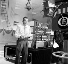 Television cameras were the Eyes Of A Generation; this is Television history the way they saw it Vintage Television, Television Set, The Ed Sullivan Show, Daguerreotype, Vintage Tv, Deep Space, Rock And Roll, Evolution, Behind The Scenes
