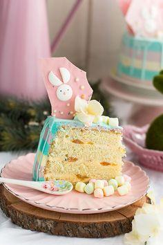 Tarta Mona de Pascua   relleno crema francesa y mermelada