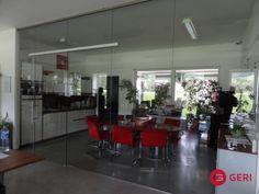 Sklenená stena s posuvnými dverami Table, Furniture, Home Decor, Decoration Home, Room Decor, Tables, Home Furnishings, Home Interior Design, Desk