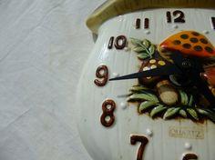Vintage 70's Mushroom themed kitchen clock quartz by finkandfaun