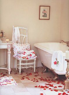 Of course the bath, in your #honeymoon #suite is a prime suspect for the rose petal treatment