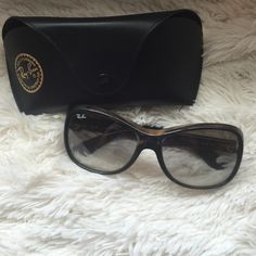 Authentic Ray-Ban Sunglasses Frame Color - Dark Tortise , Lens Color - Gray Radient.  These Ray-band are authentic are in excellent condition!!! Ray-Ban Accessories Sunglasses
