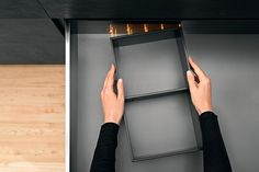 The new Ambia line organisers for Blum legrabox drawers attach with magnets giving a clean look to easily adjustable drawer dividers Larder Unit, Handleless Kitchen, Kitchen Showroom, Drawer Dividers, Storage Design, Bathroom Medicine Cabinet, Tennessee, Kitchen Design, House Design