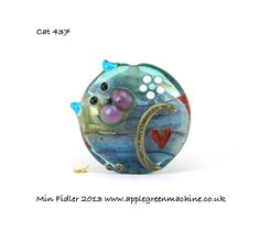 Glass cat bead focal 437 by minfidler on Etsy, £18.00  <3<3<3GORGEOUS<3<3<3