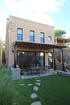 Besch Design has completed a variety of projects, from interior renovations to multi-unit mixed use developments.