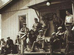 Arbetare vid bygget av Krokströmmens kraftverk fotade mellan 1947-1952. #Workers at the #construction of Krokströmmens hydroplant photographed between 1947-1952.