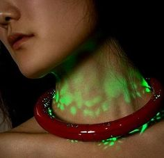 Aurora necklace, second skin by lighting – white gold plating in copper, 2 super plux leds. Kyeok Kim