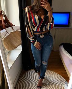 African fashion is available in a wide range of style and design. Whether it is men African fashion or women African fashion, you will notice. Denim Fashion, Cute Fashion, Look Fashion, Teen Fashion, Womens Fashion, Fashion Styles, Skirt Fashion, Classy Outfits, Chic Outfits