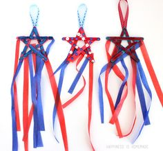 Check out these 25 of July Crafts for Kids! Our fun and easy Fourth of July crafts are great to make as decorations for a party or as cute hats or wands. The post 25 of July Crafts for Kids appeared first on Easy Crafts. Daycare Crafts, Toddler Crafts, Preschool Crafts, Kids Crafts, Arts And Crafts, Easy Crafts, Camping Crafts For Kids, Daycare Ideas, Playroom Ideas