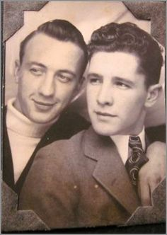 Vintage photographs of gay and lesbian couples and their stories. Vintage Couples, Vintage Men, Art Gay, Lgbt History, Vintage Photo Booths, Lgbt Couples, Babe, Cultura General, Men Kissing