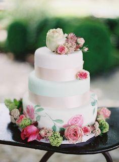 Floral decorated wedding cake: http://www.stylemepretty.com/little-black-book-blog/2014/11/07/provencal-bohemian-garden-wedding-inspiration/ | Photography: Greg Finck - http://www.gregfinck.com/
