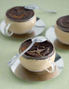 Semifreddo al caffè - Semifreddo Recipe with Coffee & Dark Chocolate Italian Desserts, Just Desserts, Italian Recipes, Delicious Desserts, Sweet Recipes, Cake Recipes, Dessert Recipes, Cooking Time, Cooking Recipes