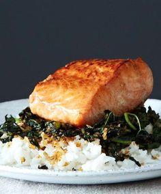Crispy Coconut Kale With Roasted Salmon & Coconut Rice Recipe on Salmon Recipes, Fish Recipes, Seafood Recipes, Cooking Recipes, Healthy Recipes, Recipies, Comida Latina, Roasted Salmon, Seafood Dishes