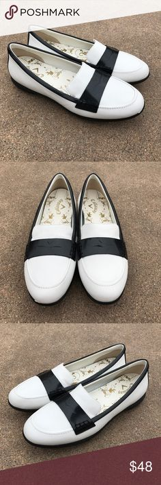 Callaway Women's Golf Shoes White Calfskin Leather Lovely women's golf shoes white calfskin leather slip on loafer Size 9AA. Condition. Pre-owned, in good condition. Callaway Shoes Flats & Loafers