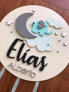 Handmade custom wooden sign for boy or girl wood decoration Wooden Decor, Wooden Diy, Diy Wood Projects, Wood Crafts, Personalized Wooden Signs, Natural Fiber Rugs, Woodworking For Kids, Creative Decor, Baby Decor