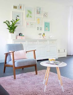 My livingroom - EKENÄSET IKEA chair - Table Zuiver - Bringinghappiness.nl