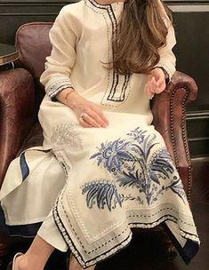 Pakistani Fashion Casual, Pakistani Dresses Casual, Pakistani Dress Design, Indian Fashion, Stylish Dress Designs, Designs For Dresses, Stylish Dresses, Kurti Designs Party Wear, Kurta Designs