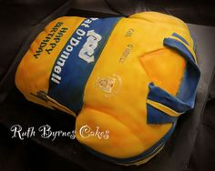 Clare Jersey Birthday Cake for GAA/Hurling fan, via Flickr Clare hurling jersey cake 40th Birthday Parties, Birthday Cakes, Cake Decorating, Party Cupcakes, Baking Ideas, Helmets, Bags, Cake Ideas, Presents