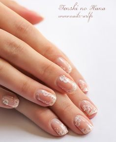 Nail artist Tenshi No Hana wore this nail art for the Foire Internationale de Bordeaux. A stamping for the French manicure with XL C plate and little flowers with the monochromatic one stroke techn… Winter Wedding Nails, Wedding Manicure, Bridal Nails, Winter Nails, Jamberry Wedding, Love Nails, Pretty Nails, My Nails, Dream Nails