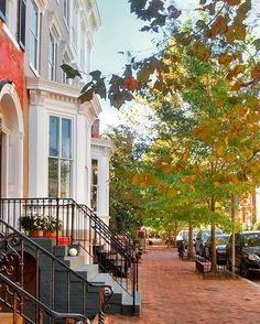 Somewhere in the world a Monday morning #georgetown Washington DC