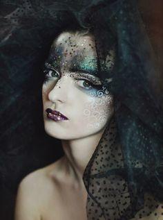 Inga Krasileviciute  Fashion make up master class Photo: Evelina Sumilovaite, Reveur photography 2013 www.life-style.lt