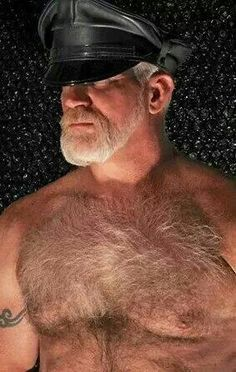 Fur, beards, and men. Tom Of Finland, Daddy Bear, Bear Men, Mature Men, Hairy Chest, Leather Cap, Older Men, Cute Faces, Male Face