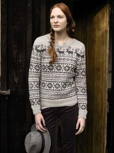 Visit for great deals on a huge selection reindeer jumper knitting pattern. Rowan Knitting Patterns, Intarsia Knitting, Jumper Knitting Pattern, Knitting Designs, Knitting Sweaters, Knitting Ideas, Christmas Knitting, Christmas Sweaters, Christmas Jumpers