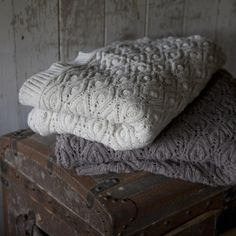 Light Beige Flora Knitted Throw is a beautiful blanket that is knitted by artisans in India. The blanket looks really soft and warm and the pattern is really pretty and subtle. Plaid Laine, Fair Trade Clothing, Ethical Shopping, Knitted Blankets, Throw Blankets, Baby Blankets, Throw Pillows, Handmade Home, Autumn Home