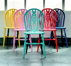 Best Diy Painted Chair Designs Ideas (For Your Inspiration) - Diyandart Paint Furniture, Furniture Makeover, Furniture Chairs, Painted Dining Chairs, Coloured Dining Chairs, Ercol Dining Chairs, Windsor Chairs, Breakfast Bar Chairs, Dining Room Colors