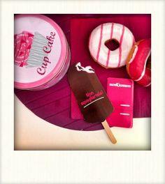 Nell'ufficio Pennamontata di Valentina Falcinelli non mancano mai dolcetti e creatività.