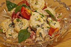 Tortellini - Salat mit Tomaten und Schinken
