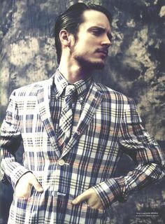 elijah wood in plaid. (I had such a catholic school moment when I saw this outfit)