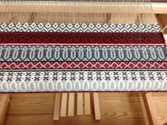 Rosepath, woven in linen and wool, on the loom at Vavstuga