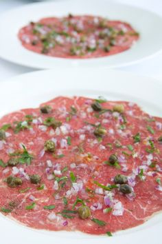 Beef Carpaccio Recipe with Capers, Parsley and Truffle Oil - Chef's Pencil Best Beef Recipes, Italian Recipes, Cooking Recipes, Beef Appetizers, Appetizer Recipes, Tapas, Traditional Italian Dishes, Truffle Oil, Beef Dishes