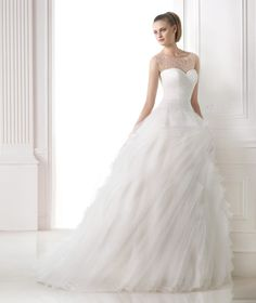 Pronovias 'Moana Misty'